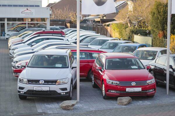 Fahrzeuglager bei Autokontor-Niederrhein OHG vor Ort